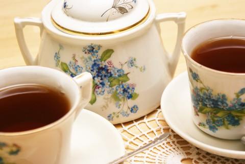 """""""A Cup of Christmas Tea"""" (Tom Hegg)"""