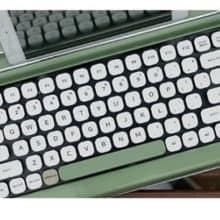 Penna Typewriter Style Retro Bluetooth Keyboard
